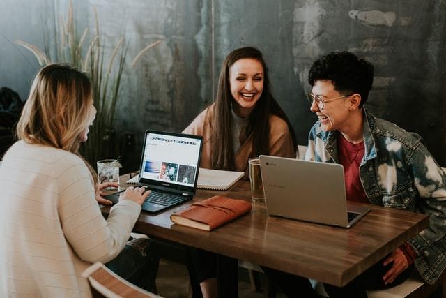 教員の魅力③:職場の先生方が協力的